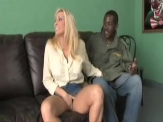Mature blonde slutmom hunting for black cocks