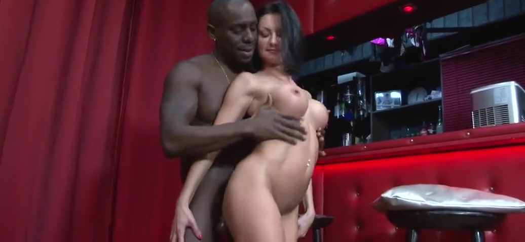 Shorthaired brunette busty wife gets fucked by bbc